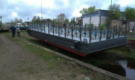 Спуск на воду понтона НТК-15